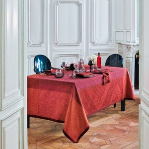 Cassidy Berry Jacquard Tablecloth, Stain Resistant Cotton Image