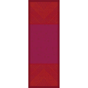 Cassidy Berry Jacquard Tablerunner, Stain Resistant Cotton Image