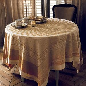 "Pantheon Vermeil Tablecloth 68"" x 68"", Green Sweet stain-resistant cotton"
