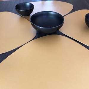 """Recycled Leather Gold Placemat,Oval 16.5x12.25"""""""