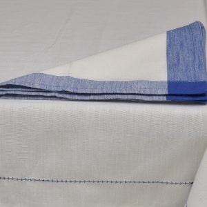 "Intramuri White/Blue Tablecloth 69""x102"", 100% Cotton"