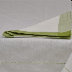 "Intramuri White/Green Tablecloth 69""x102"", 100% Cotton"