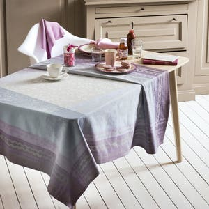 Jardin Des Roses Parme Tablecloth