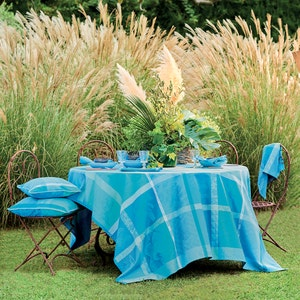 Mille Gardenias Lagon Tablecloth