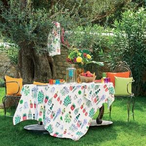 Mille Pepinieres Floraison Tablecloth