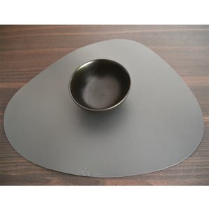 """Recycled Leather Dark Grey Placemat, Oval 16.5x12.25"""""""