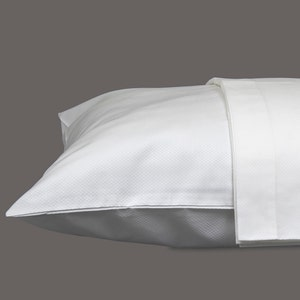 Savoie White Standard/Queen Set of Two Pillow Cases, 320 thread count