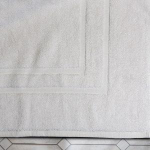 """Sirocco White Bath Mat 22""""x34"""", 11 lbs/dz"""