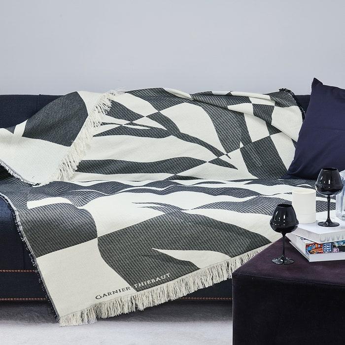 Versus Noir Et Blanc Jacquard Bed Throw